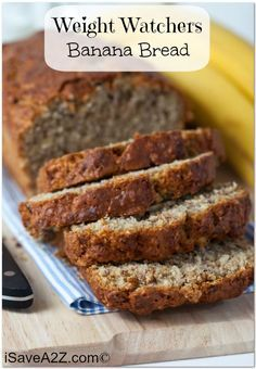 Weight Watchers Recipes Discover Weight Watchers Banana Bread Recipe - 4 points per serving! Looking for something to satisfy your sweet tooth but still stay on track? I highly recommend this Weight Watchers Banana Bread Recipe! Weight Watchers Snacks, Plats Weight Watchers, Weight Watchers Breakfast, Weight Watchers Muffins, Ww Desserts, Healthy Desserts, Dessert Recipes, Healthy Sugar, Best Banana Bread