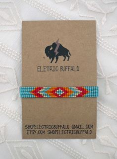 Items op Etsy die op Turquoise and Orange Beaded Bracelet lijken Seed Bead Jewelry, Seed Beads, Beaded Jewelry, Jewellery, Loom Bracelet Patterns, Bead Loom Bracelets, Native American Beadwork, Loom Beading, Glass Beads