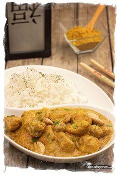 Pollo al curry con arroz por Sirya Hola!, hoy os traemos una receta que teníamos sin publicar pero que hicimos hace meses cuando preparamos el recetario oriental, para todos aquellos que os guste el curry tenéis que probar esta forma de prepararlo, este pollo al curry con arroz os va a encantar. Buen provecho y [...]