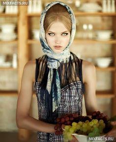 Как красиво повязать платок на голову зимой?