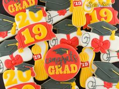 How to Make a Graduation Cookie Platter - Semi Sweet Designs Graduation Tassel, Graduation Cookies, Graduation Ideas, Fun Cookies, Sugar Cookies, Magnolia Sky, White Icing, Piping Icing, Cookie Designs