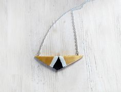 Modern cold porcelain necklace triangle white black gold elegant geometric elegant design gold gewelry necklace for women contemporary