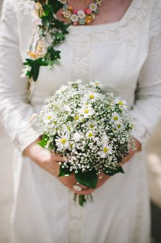 dairy, gypsophila, ivy bouquet, image by http://www.keithriley.co.uk/