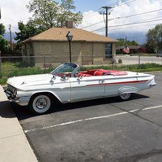 White convertible 1961 Impala