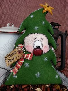 O. tannen Baum Christmas Tree Pattern 130 primitivo Doll