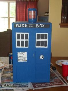 TARDIS card box, complete with how-to images, because if you're going to have people leave you letters (or... other... wedding things? Who knows.) why not have them be THIS AWESOME?