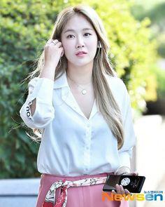 Sistar Soyu, Random, Tops, Women, Fashion, Asian Fashion, Moda, Fashion Styles, Fashion Illustrations
