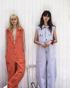 Kelsey & Baylee Soles photographed by MaxMartin for Elle Croatia fashion Silvia Bergomi Peclers Paris, Boiler Suit, Mode Streetwear, Look Fashion, Fashion Design, Mode Editorials, Inspiration Mode, Playsuits, Jumpsuits