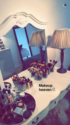 Image in Make-up collection by PuertoRicanPrincess Makeup Storage, Makeup Organization, Snapchat Makeup, Beauty Makeup, Eye Makeup, Pinterest Makeup, Makeup Rooms, Make Up Collection, Girly Pictures