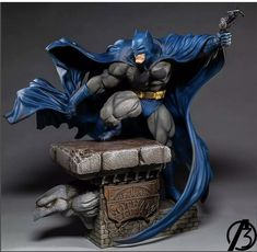 Martial Arts Workout, Batman Wallpaper, Popular Toys, Miniature Figurines, Marvel Legends, Dark Knight, Zbrush, Capes, Luigi