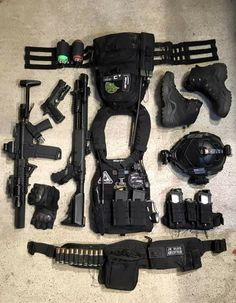 Survival and Prepper Tips Military Gear, Military Weapons, Weapons Guns, Armas Airsoft, Battle Belt, Survival Weapons, Survival Gear, Airsoft Gear, Combat Gear