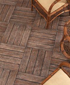Com aparência de material de demolição, o revestimento Madeira, da linha Tecnostar (Tecnogres), é fabricado em cerâmica esmaltada. O produto...