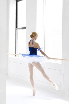 Ballet. Tutu ballerina! Beautiful dancer! Love this photo! Pointe shoes on at the barre in a stunning tutu! Gorgeous ❤️