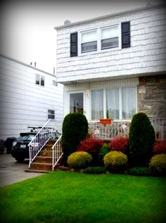 26 Mulberry Ave, located in the New Springville neighborhood, was sold by Susan Frazier and Gerilyn Liverani for $375,000. www.realestatesiny.com #StatenIsland #NYC #RealEstate #RealEstateSINY #DailySoldHome