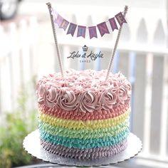 Rosette ruffle rainbow cake 1st Birthday Girls, 1st Birthday Parties, Birthday Cakes, Birthday Ideas, Cupcake Cake Designs, Cupcake Cakes, Kids Party Themes, Party Ideas, Buttercream Flower Cake