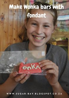 Make a Wonka bar out of fondant in 10 simple steps. Camping Crafts, How To Find Out, How To Make, Craft Activities, Fondant, Create Your Own, Bar, Gum Paste, Candy