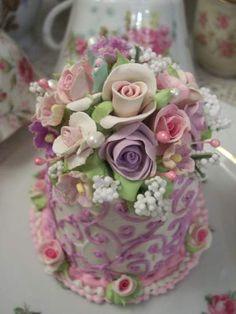 (Delainie) Fake Cake Rhondasrosecottagedesigns.com