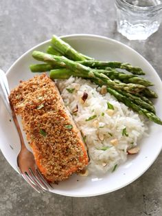 Check out these 6 healthy crusted dinner recipes including this Hazelnut Crusted Salmon. These awesome dinner options are perfect for the whole family. Plus, save the leftovers and pack them for lunch! Salmon Recipes, Fish Recipes, Seafood Recipes, Dinner Recipes, Cooking Recipes, Healthy Recipes, Tilapia Recipes, Crusted Salmon, Grilled Salmon