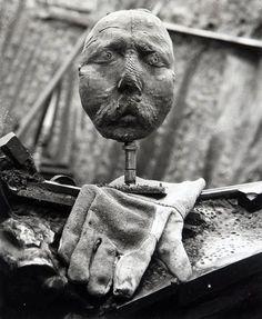 Daniel Frasnay (1928) - César (Baldaccini), autoportrait, circa 1960. S)