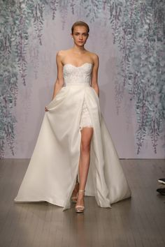 Monique Lhuillier Bridal Fall 2016 Collection Photos - Vogue