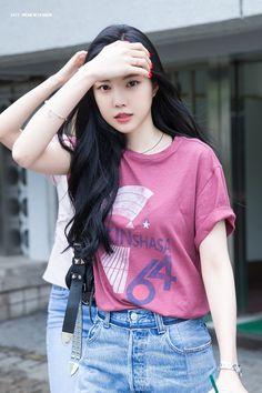what a true beauty 😍 Fashion Models, Girl Fashion, Apink Naeun, Ulzzang Korean Girl, Fashion Tights, Grunge Girl, Korean Celebrities, Girl Crushes, Beautiful Asian Girls
