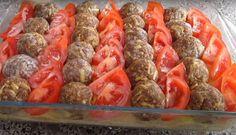 Πατάτες με Μπιφτέκια στο φούρνο - Η Μαγειρική ανήκει σε όλους Hot Dogs, Sausage, Meat, Ethnic Recipes, Food, Sausages, Essen, Meals, Yemek