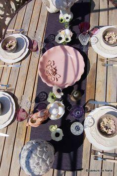 table de Pâques <3 Decorative Plates, Tables, Home Decor, Easter Table, Homemade Home Decor, Mesas, Decoration Home, Table, Home Decoration