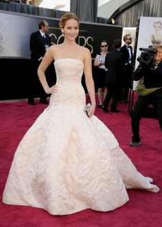 Jennifer Lawerence Oscars 2013 Best Dressed- Gorgeous gown