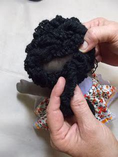 Bonequeiras sem Fronteiras | Bonecas de pano, amor de verdade.: Cabelo enroladinho, a gente ama! Aqui o passo a passo...