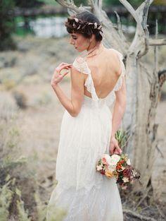 Rustic Wedding Inspiration by Leslie Hollingsworth | floral by rosegoldenflowers.com