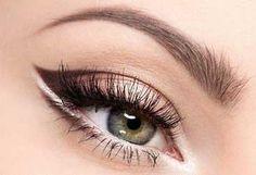 Žiarivé líčenie pre modrosivé oči