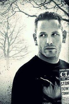Corey Taylor, awesome dude, lead singer of slipknot & stone sour, also starring in fear clinic which looks pretty good, just for the fact he's in it lol Music Love, Music Is Life, Rock Music, Taylor Stone, Slipknot Corey Taylor, Punk, Raining Men, Music Bands, Hard Rock