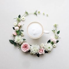 2017.2.13 Monday  Happy  New week♪ Today's coffee time☕️ . . . . . 今日は少し暖かいですね☺️ 今週もよろしくお願いします♡ . . . . . . #花のある暮らし#コーヒー