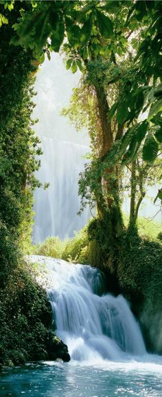 Zaragoza Falls, Waterfall in the Pyrenees.