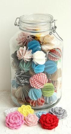 Cute little jar of pretty paper Paper Doily Crafts, Doilies Crafts, Paper Doilies, Cute Crafts, Decor Crafts, Diy And Crafts, Arts And Crafts, Papier Diy, Paper Balls