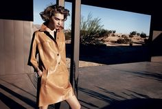 Peter Lindbergh shoots Arizona Muse for the 'Manifest Destiny' editorial in the February 2011 issue of Vogue US. Styling by Tonne Goodman. Michael Kors Style, Michael Kors Fashion, Peter Lindbergh, Fashion Shoot, Editorial Fashion, Fashion Outfits, Womens Fashion, Arizona Muse, Mode Editorials