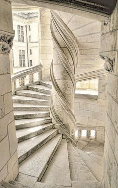 nature-and-culture: Stairs of the Chateau de Chambord / France. (Pink glasses) - Nature-and-culture: Stairs of the Chateau de Chambord / France. Beautiful Buildings, Beautiful Places, Beautiful Stairs, Architecture Cool, Belle France, Stairway To Heaven, Palaces, Abandoned Places, Stairways