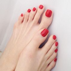 Pretty Toe Nails, Cute Toe Nails, Cute Toes, Pretty Toes, Red Toenails, Beautiful Toes, Feet Nails, Sexy Toes, Female Feet
