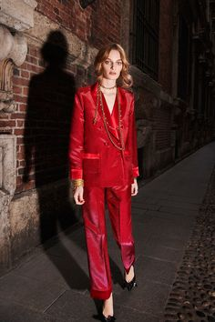 For Restless Sleepers Fall 2018 Ready-to-wear Milan Collection - Vogue