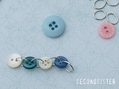 secondsister suaviloquy: button bracelet tutorial