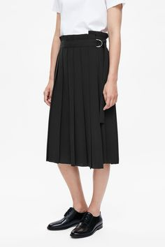 COS PLEATED WRAP SKIRT http://www.cosstores.com/gb/Women/Skirts/Pleated_wrap_skirt/7086-48124760.1#c-22755