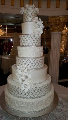 Tall bling wedding cake Best Picture For dark romantic wedding cake For Your Taste You are looking for something, and it is going to tell you exactly what you are looking for, and Extravagant Wedding Cakes, Tall Wedding Cakes, Bling Wedding Cakes, Bling Cakes, Amazing Wedding Cakes, Wedding Cake Rustic, Wedding Cakes With Cupcakes, Wedding Cakes With Flowers, Elegant Wedding Cakes