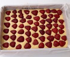 Prajitura cu iaurt si capsuni - Bunătăți din bucătăria Gicuței Cheesecake, Desserts, Food, Tailgate Desserts, Deserts, Cheesecakes, Essen, Postres, Meals