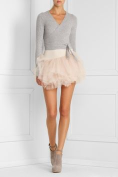 cropped ballet sweater and tulle skirt...if I only had those legs