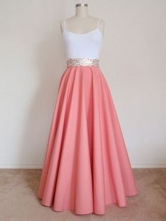PLUS SIZE Full Length Circle Skirt Light von PrincessAndQueen