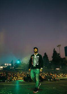 Smoke Wallpaper, Trippy Wallpaper, Rap Wallpaper, Aesthetic Iphone Wallpaper, Black Wallpaper, Gorgeous Black Men, Black Love Art, Film Aesthetic, Bad Girl Aesthetic
