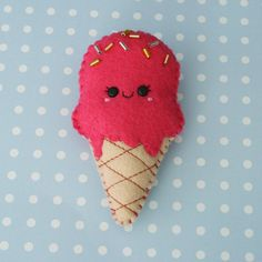 Hey, I found this really awesome Etsy listing at https://www.etsy.com/es/listing/158871372/strawberry-ice-cream-felt-brooch