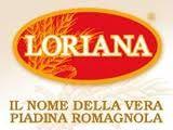 Ecco che magicamente risolvo tutto con la Piadina Loriana, un disco magico preparato con ottimi ingredienti, una piadina che sa di buono, dellodore fragrante del pane, un pane di cui si era perso il sapore e laroma di quanto profumava le antiche cucine romagnole.