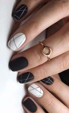 18 Outstanding Classy Nail Designs Ideas for Your Ravishing Look - Nageldesign - Nail Art - Nagellack - Nail Polish - Nailart - Nails - Cute Nail Art Designs, Classy Nail Designs, Black Nail Designs, Short Nail Designs, Easy Designs, Striped Nail Designs, Stylish Nails, Trendy Nails, Diy Nails