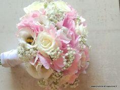 Bouquet de mariée rond d'hortensias roses, lysianthus blancs, roses blanches, et gypsophile